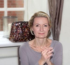 Autor Gabriela Friedrich präsentiert ihr neuestes Werk die Finanzeinhörner